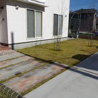 アプローチ & 駐車場 & 芝・植栽のサムネイル