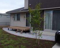 ウッドデッキ & 庭園 & ブロック塀フェンス